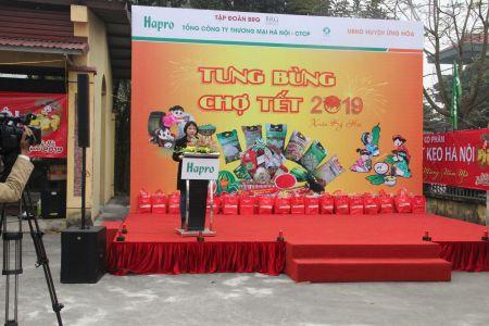 Ba Dang Thi Tuoi - Truong Phong Kinh Te Huyen Ung Hoa Phat Bieu Tai Le Khai Mac