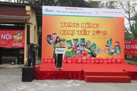 Ba Hoang Anh - Giam Doc TTKD Sieu Thị HaproMart Phat Bieu Tại Le Khai Mac
