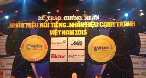 """Lễ tôn vinh và trao chứng nhận """"Nhãn hiệu cạnh tranh – Nhãn hiệu nổi tiếng Việt Nam"""" năm 2015"""