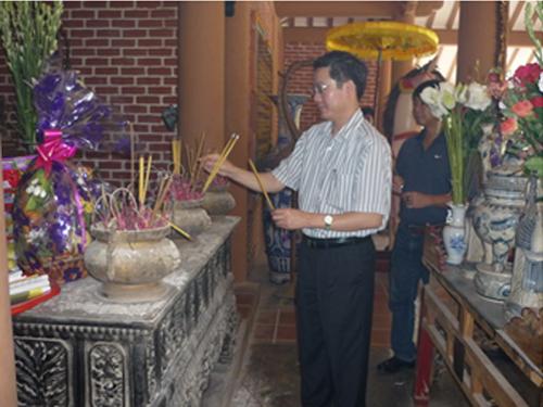 Hapro tổ chức hoạt động đền ơn đáp nghĩa nhân dịp kỷ niệm 65 năm ngày thương binh – liệt sĩ (27/7/1947 – 27/7/2012) và chương trình xúc tiến thương mại tại các tỉnh miền trung