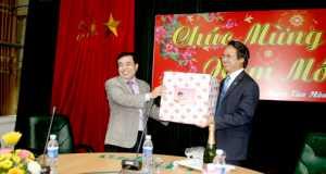 Phó Chủ tịch UBND TP Hà Nội Nguyễn Huy Tưởng chúc Tết Tổng công ty Thương mại Hà Nội